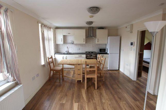 Flat to rent in Greystoke Park Terrace, London