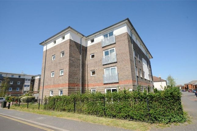 Thumbnail Flat to rent in The Glen, Cranbury Road, Eastleigh