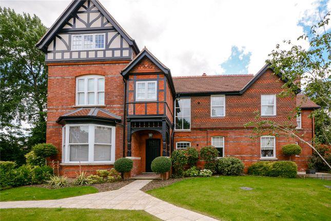 Thumbnail Flat for sale in Parkham Mead, Binfield, Berkshire