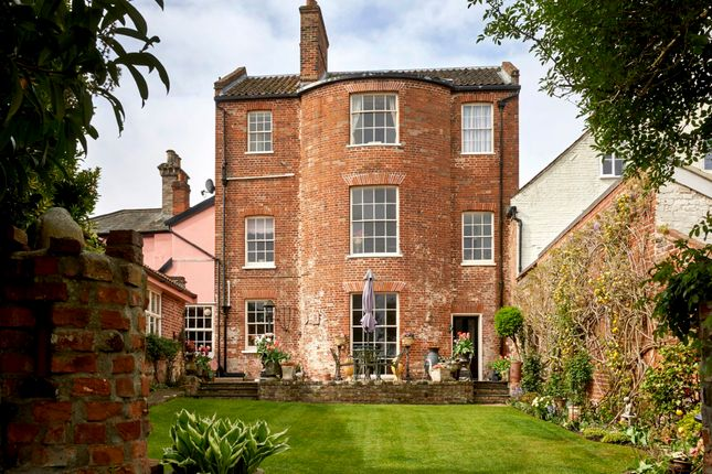 Town house for sale in Broad Street, Bungay