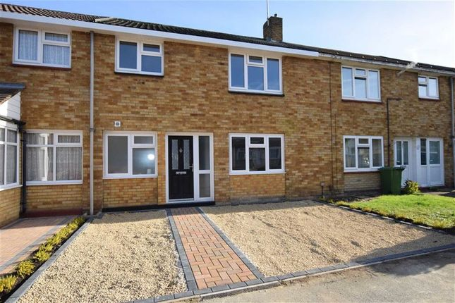 Thumbnail Terraced house for sale in Latchetts Shaw, Basildon, Essex