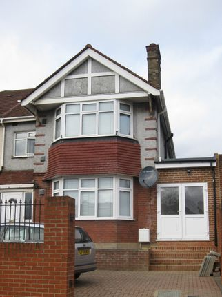 Thumbnail Flat to rent in Great West Road, Hounslow