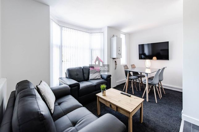 Thumbnail Flat to rent in Bolton Road, Salford