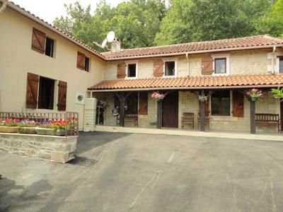 Thumbnail Commercial property for sale in Ventouse, France