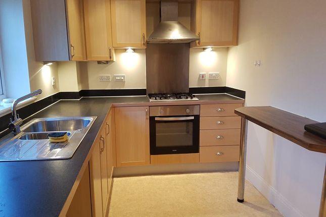2 bed flat to rent in Santa Cruz Drive, Eastbourne