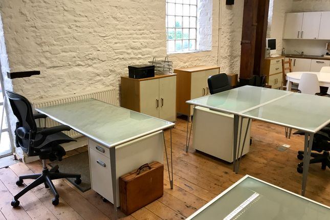 Office to let in Priory Lane, Burford
