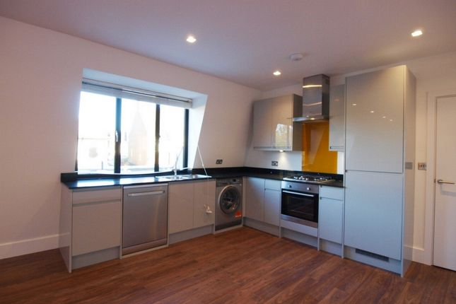 Thumbnail Flat to rent in Thorold Road, Bounds Green