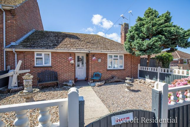 Thumbnail Terraced bungalow to rent in Morton Crescent, Bradwell, Great Yarmouth