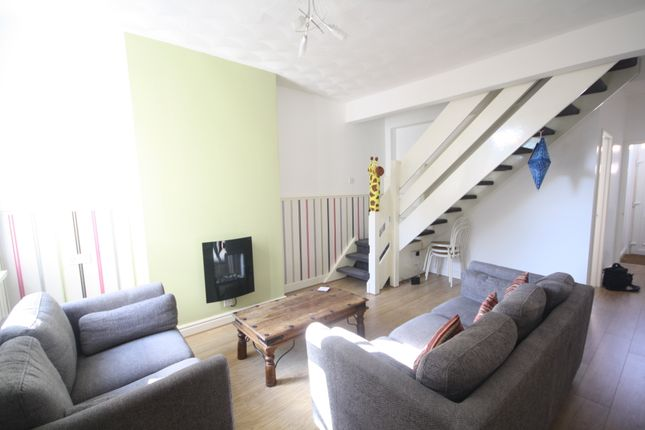Thumbnail Terraced house to rent in Windermere Street, West End, Leicester