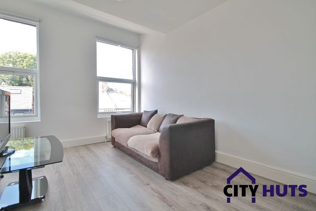 Thumbnail Duplex to rent in Turnpike Lane, London
