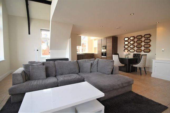 Thumbnail Flat to rent in Marlborough Drive, Bushey