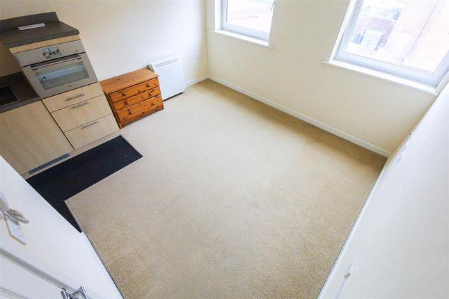 Lounge of Chapel Annexe, 8 Anglesea Terrace, Southampton SO14