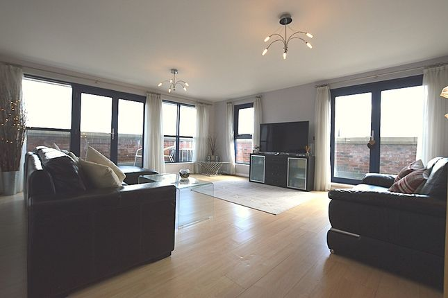 Thumbnail Flat to rent in Carisbrooke Road, Leeds