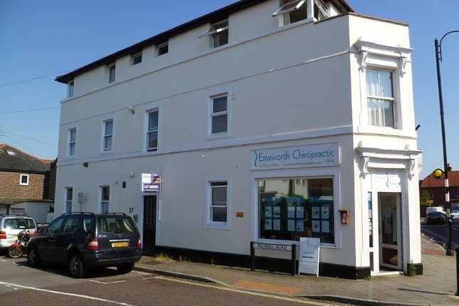 3 bed flat to rent in North Street, Emsworth