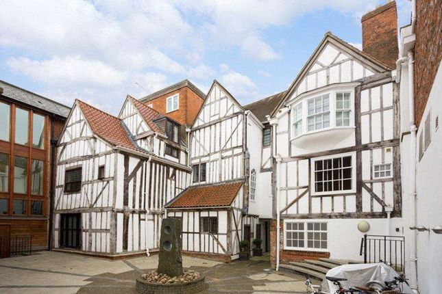 Thumbnail Flat to rent in Low Petergate, York