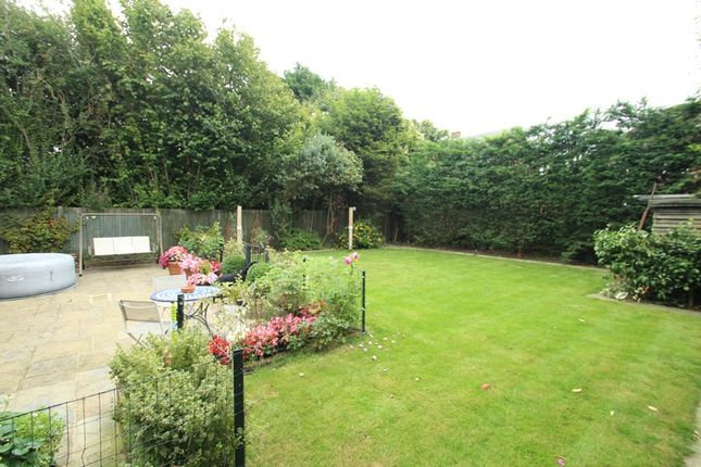 Picture No. 5 of Crewes Avenue, Warlingham, Surrey CR6