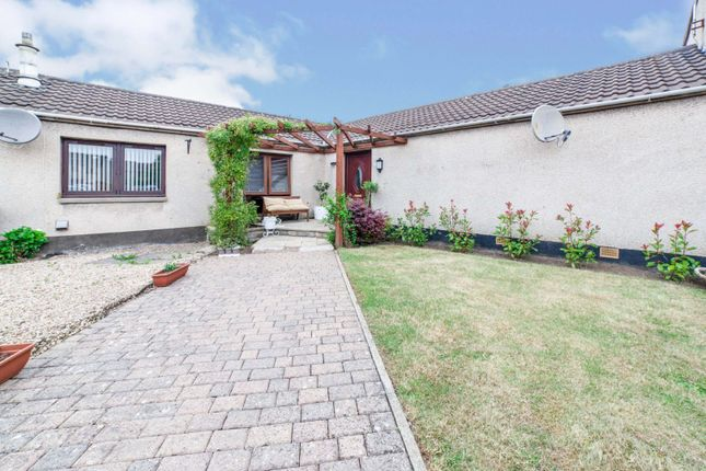 Thumbnail Bungalow for sale in Place Charente, Dalkeith