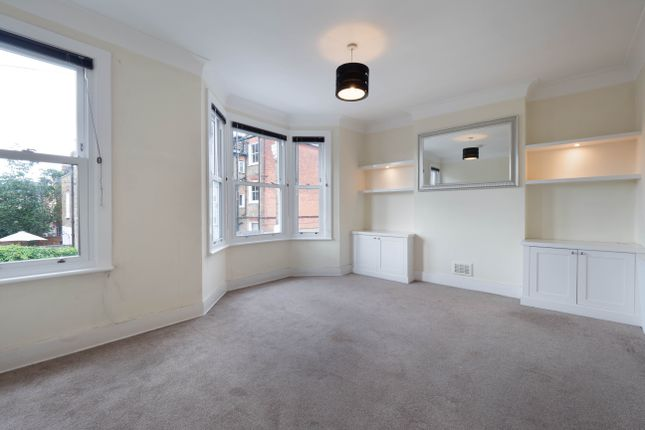 Thumbnail Flat to rent in Limburg Road, London