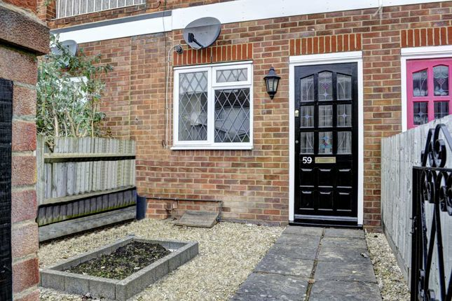 1 bed flat for sale in Woodfield Road, Princes Risborough