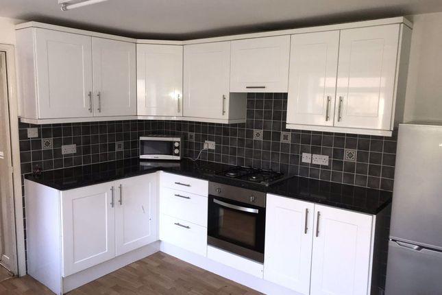 Thumbnail Property to rent in Folkestone Street, Hull