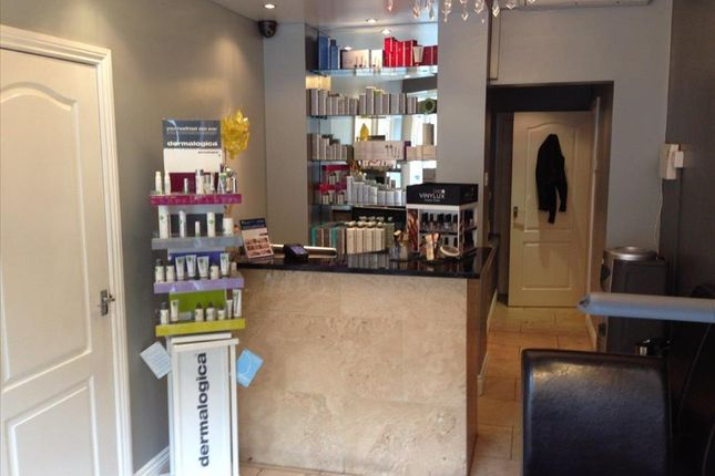 Thumbnail Retail premises for sale in Beauty, Therapy & Tanning BD16, Cottingley, West Yorkshire