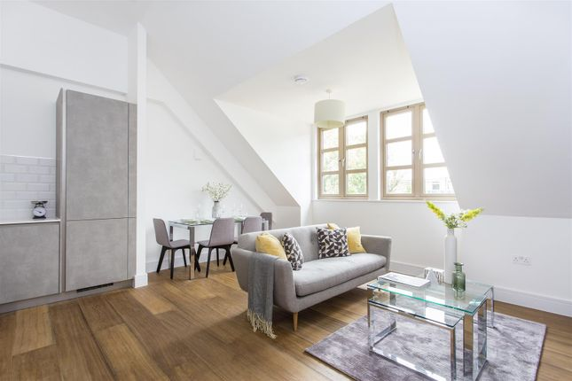 Thumbnail Flat to rent in The Willows, Lordship Park