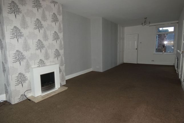 2 bed flat to rent in Hawthorn Road, Ashington NE63
