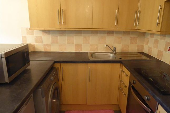 Thumbnail Flat for sale in Hereward Green, Loughton, Essex