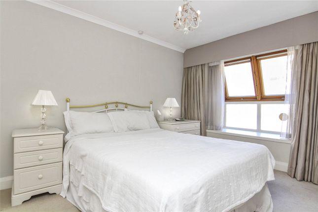 Master Bedroom of Bowland Yard, Belgravia, London SW1X