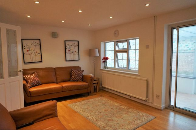 Thumbnail Bungalow to rent in Wheatland Close, Oadby