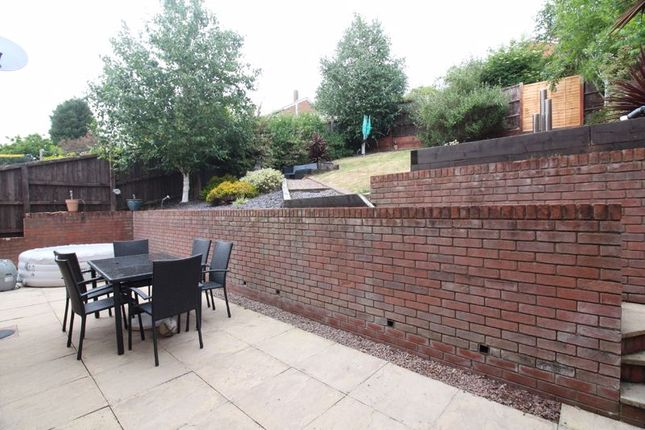 Patio of Melbourne Close, Kingswinford DY6
