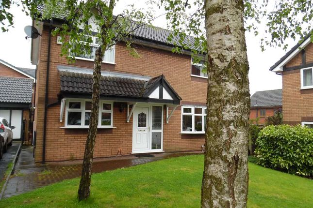 3 bed detached house to rent in Westcott Grove, Royton, Oldham