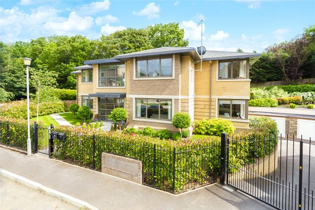 Thumbnail Flat for sale in South Park View, Gerrards Cross, Buckinghamshire