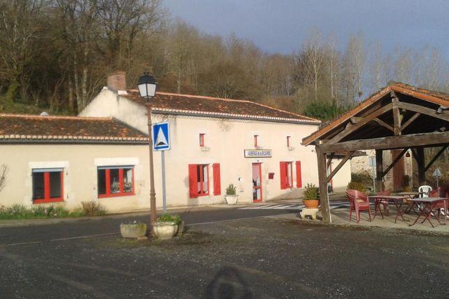 Thumbnail Property for sale in Poitou-Charentes, Vienne, L'isle-Jourdain