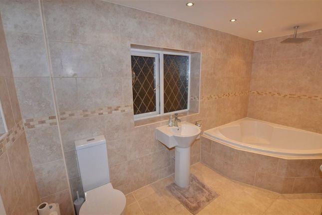 Family Bathroom of Grove Lane, Knottingley WF11