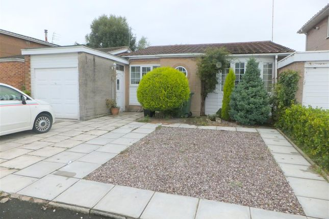 Thumbnail Bungalow for sale in Lincoln Way, Rainhill, Prescot