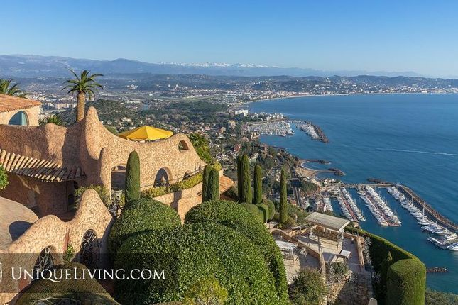 Villa for sale in Theoule Sur Mer, Cannes, French Riviera