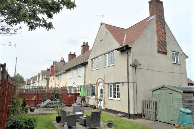 Thumbnail End terrace house to rent in The Crescent, Woodlands, Doncaster