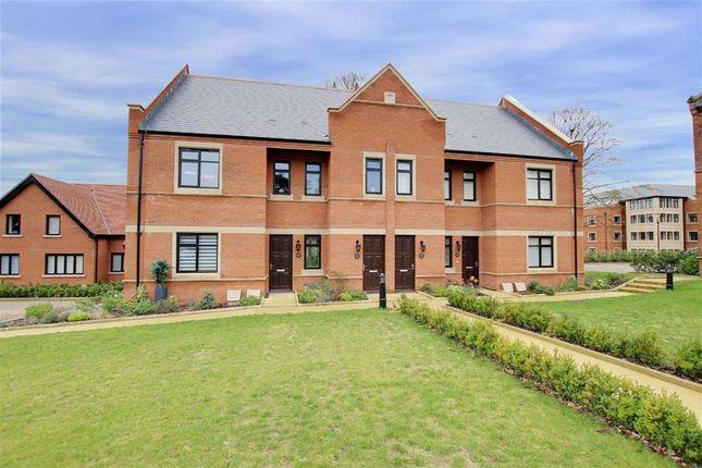 Thumbnail Flat to rent in Marlborough Drive, Bushey, Hertfordshire