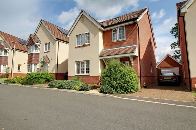 Thumbnail Detached house for sale in Whitley Rise, Reading, Berkshire