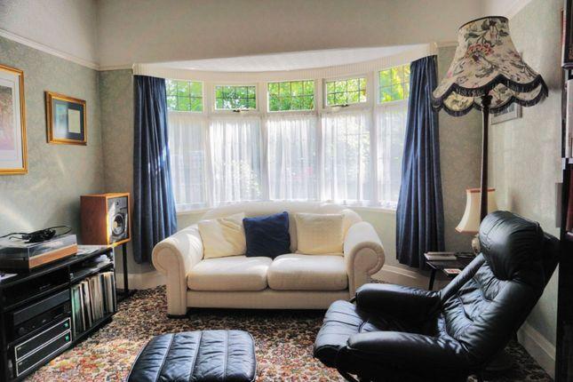 Lounge of Newland Park, Hull HU5