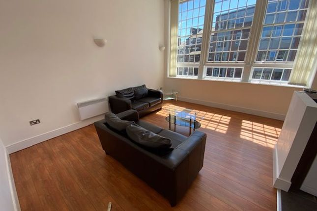 Flat to rent in May Street, Liverpool