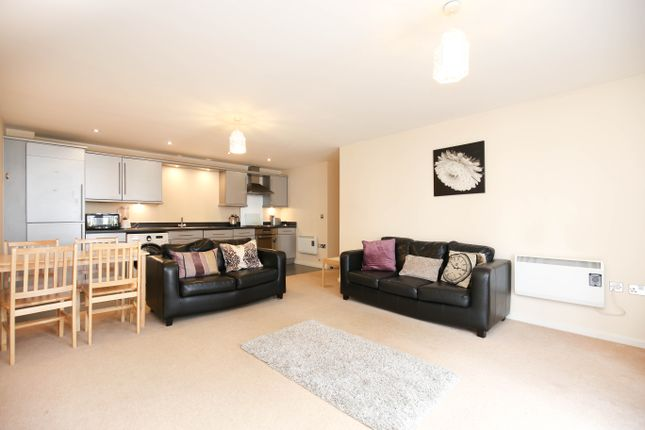 2 bed flat to rent in Rialto Building, Melbourne Street, Newcastle Upon Tyne