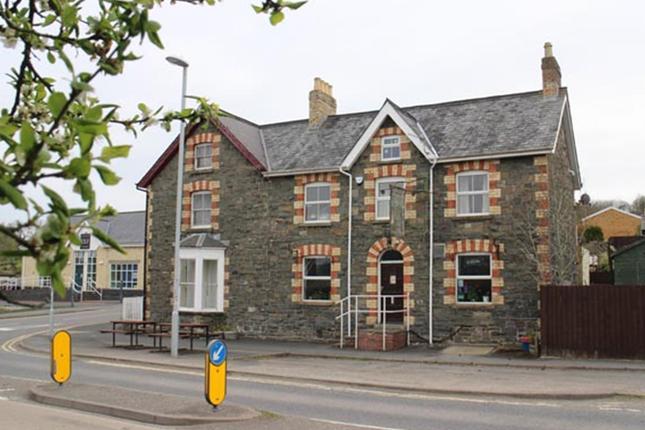 Thumbnail Pub/bar for sale in Powys LD1, Powys,