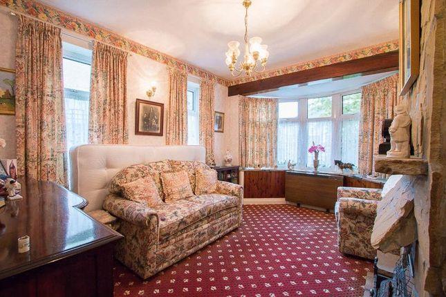 Lounge/Master Bedroom