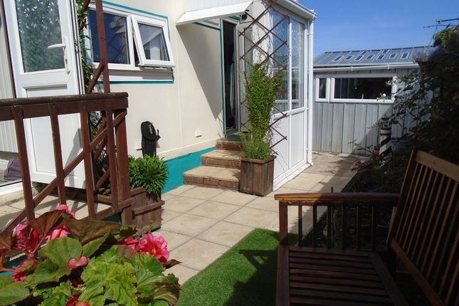 Thumbnail Mobile/park home for sale in Tremarle Home Park, Camborrne