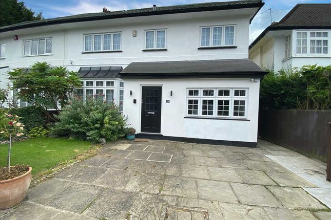 4 bed property for sale in Dorset Drive, Edgware, Edgware HA8