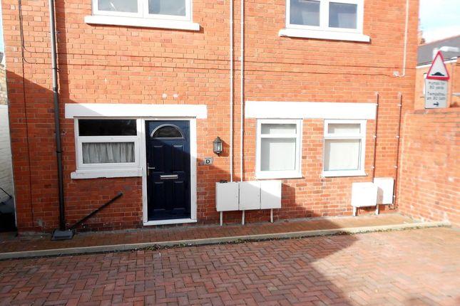 Thumbnail Flat to rent in Princes Road, Rhosllanerchrugog, Wrexham