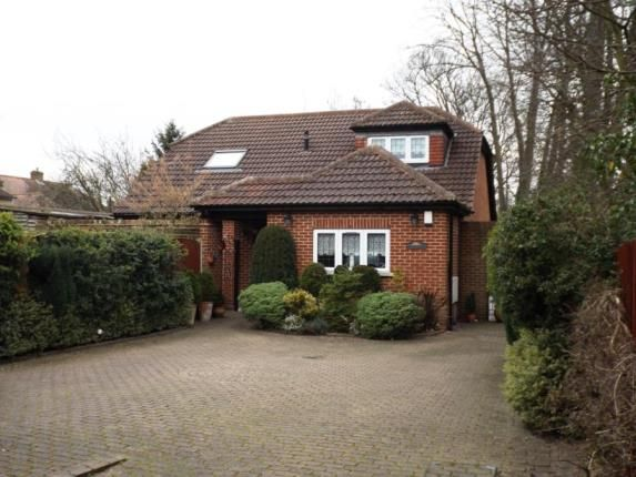 Thumbnail Bungalow for sale in Lambourne Road, Chigwell, Essex