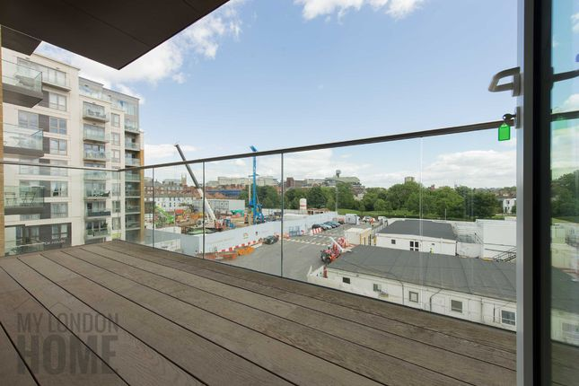 1 bed flat for sale in Faulkner House, Fulham Reach, Fulham, London